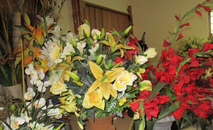 Home Based Silk Flower Bouquets hiring to businesses, weddings, funerals and special occasions